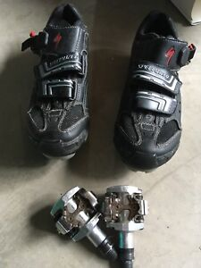 Bike shoes with pedals