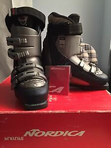 Nordica Ski Boots size 6.5. MP23.5.  and snow blade