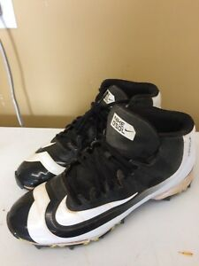 Nike Baseball Cleats Size 7