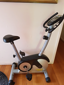 Gold's gym exercise bike.as new Vermont Whitehorse Area Preview