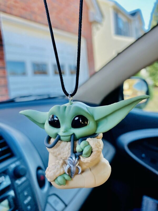 2020 Baby Yoda Keychain Star Wars The Mandalorian Gifts Grogu Car Charm Backpack