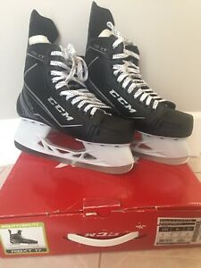 CCM Men's skates sz 8