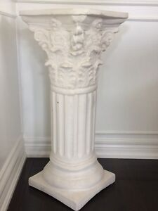 Plaster decorative column