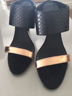 Country Road black & gold shoes as new Bronte Eastern Suburbs Preview