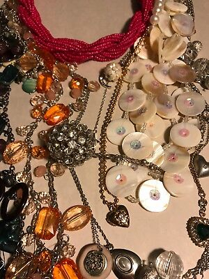 1 Lb Vintage -Now All Wearable Necklace Costume Fashion Jewelry LOT - Costume Jewelry