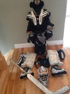 Equipment de gardien hockey / hockey goalie equipment. Novice