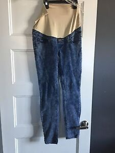 Makers and Parasuco Maternity Jeans (Size S/XS)