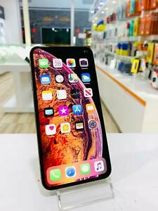 Apple iphone xs 64gb gold - excellent condition