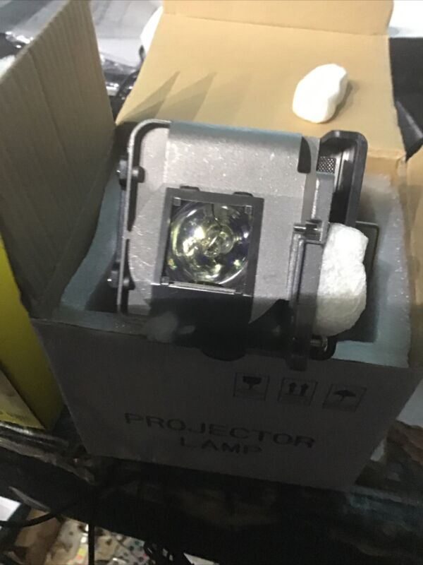 RLC-076 Projector Lamp with Housing For ViewSonic Pro8520HD Pro8600 Bulb / Lamp
