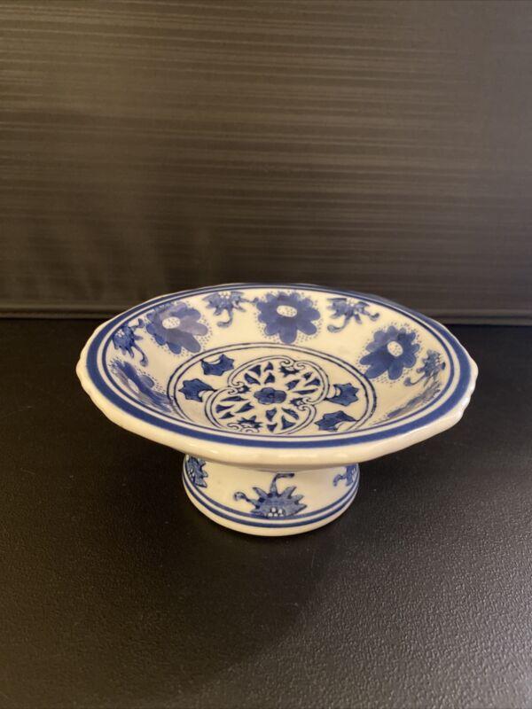 Vintage Blue & White Chinese Tazza Pedestal Bowl Floral Design
