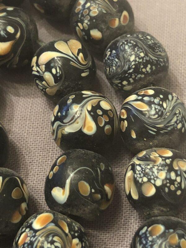 Beautiful 25 Piece Antique Hand Made Mandala Pattern Art Glass Loose Beads