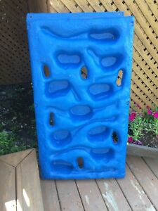 Climbing wall accessory for kids playset