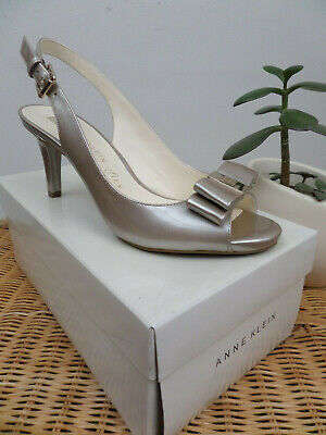 Anne Klein Patent Mid Heel Open Toe Court Shoe Beige Nude Size UK 5  58/7M