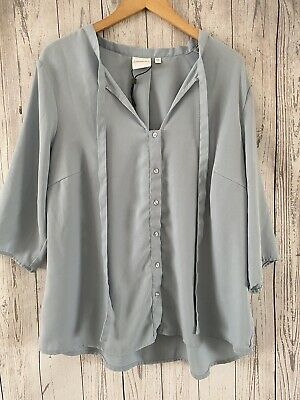 Womens / Ladies Junarose Blue Short Sleeve Button Blouse Top Size 20 Immaculate