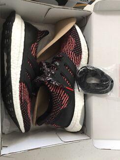 Ultra boost Adidas US 10 CNY