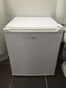 Heller Bar Fridge in great condition, used rarely Beaconsfield Cardinia Area Preview
