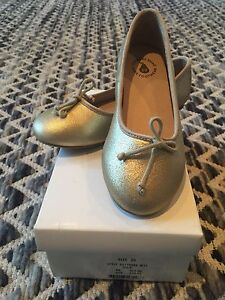 Country Road gold ballet shoes (size 29) Cheltenham Hornsby Area Preview