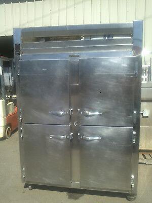 Traulsen Rht232wut 51.6 Cu. Ft. Half Door Two Section Reach In Refrigerator