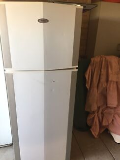 Fridge freezer whirlpool 350L