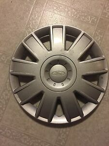 Selling one ford hubcap, 15 inch . $25 or best offer