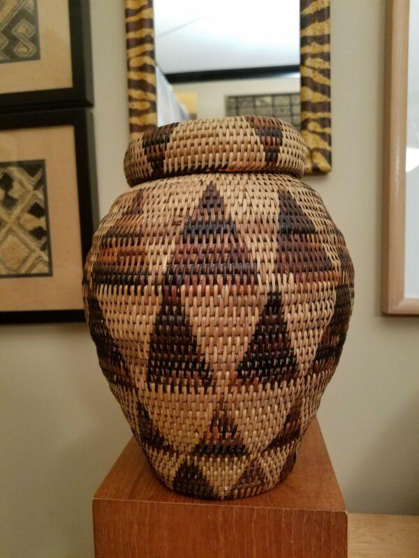 Vintage Large Lidded African Botswana Basket  - Triangle Pattern