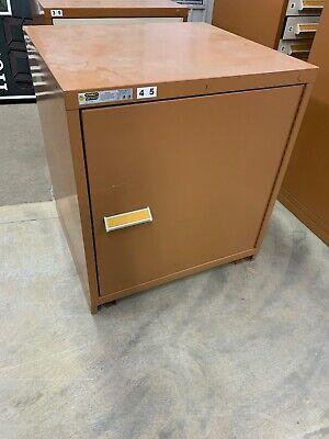 Stanley Vidmar Industrial Storage Cabinet W Shelf 33 X 28 X 30 Desk Table Height
