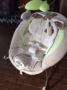 Bouncy Seat - Fisher Price