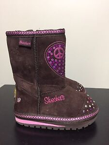 Skechers Twinkle Toes toddler size 5 boots - like new