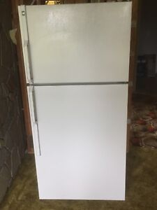 30inch GE fridge white in great condition