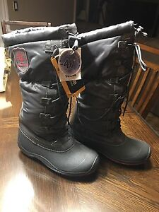 NEW with Tags-Thinsulate Boots Size ladies 6
