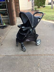 Graco travel system with stroller, infant seat