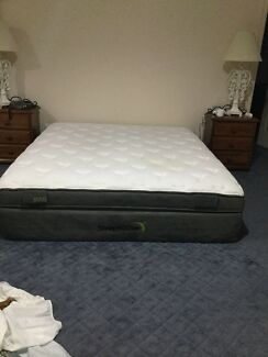 King size mattress Sleep to live  1000 series