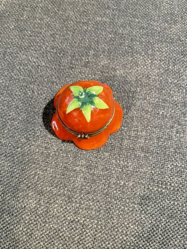 LIMOGES FRANCE TRINKET BOX PEINT MAIN PV MARQUE DEPOSEE Flower Or Tomato
