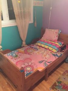Kids bed and book shelf