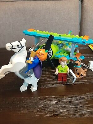 LEGO 75901 Scooby Doo Mystery Plane complete with manual