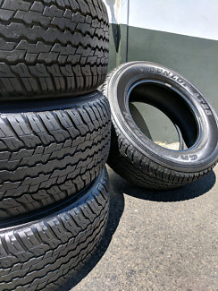 285/60R18 90% Tread Dunlop AT25