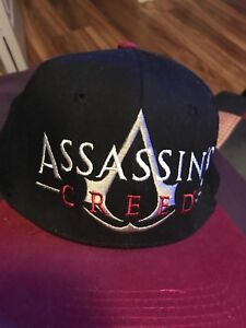 Assassins creed black and red hat never worn