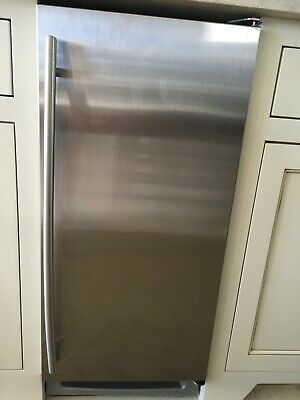 """U-Line UCLR2160S00 2000 Series Stainless 15"""" Undercounter Clear Ice"""