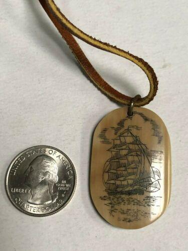 Scrimshaw pendant/charm, larger, bone, pre-owned