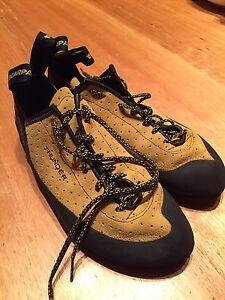Scarpa Thunder climbing shoes size 42 (US9) Quarry Hill Bendigo City Preview