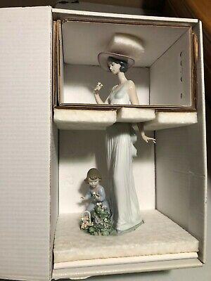 Lladro 6648 - 'Flowers in Bloom' - Mint in Original Box