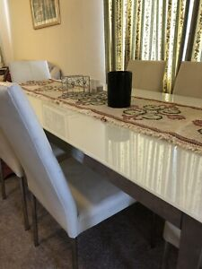 Dining table Red Hill South Canberra Preview