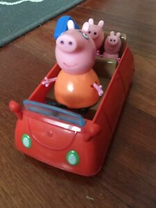 Peppa pig car with Mummy, Peppa and George