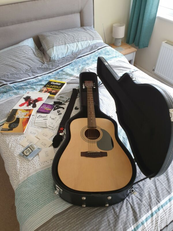 Barely even touched Cort Acoustic Guitar