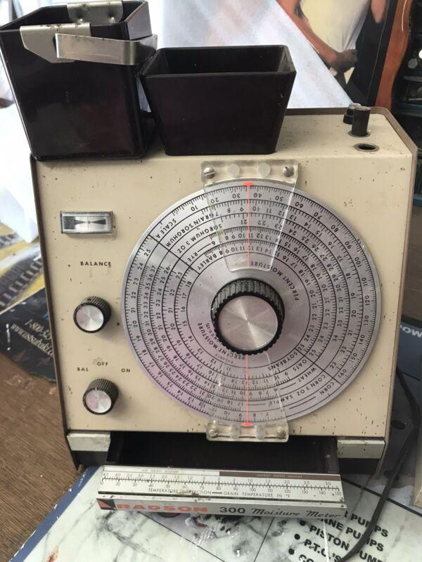 Vintage Radson 300 Seed Moisture Tester With Case PB-70-1 Works