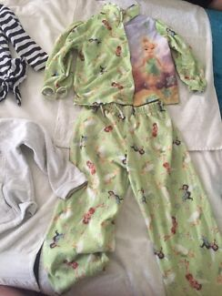Lot 13 girls mixed winter clothes size 4 Forrestfield Kalamunda Area Preview