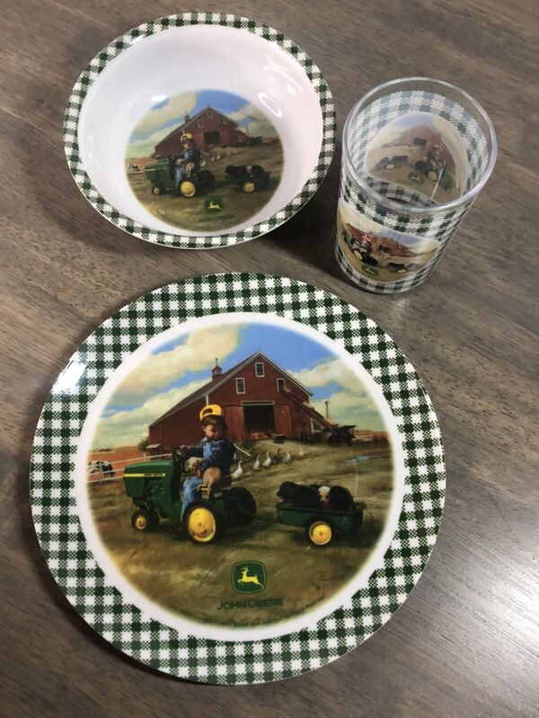 Gibson JOHN DEERE Childs Plastic Plate Cup Bowl Tractor (361)