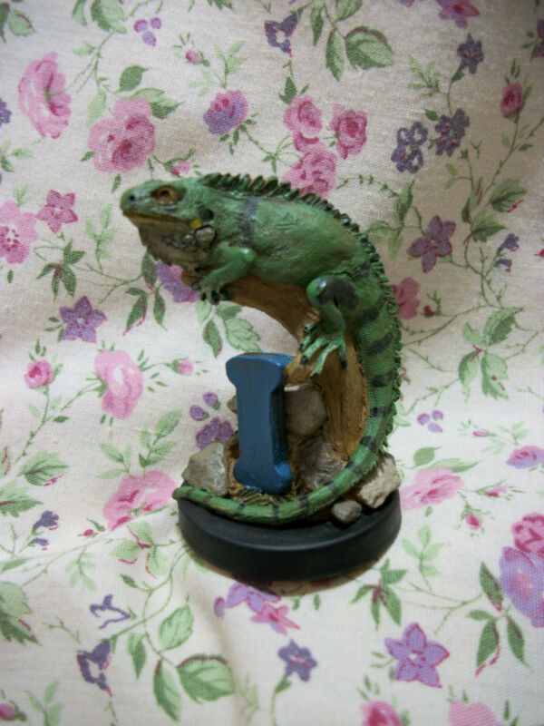 NEW TIM WOLFE ALPHA -I IGUANA FIGURE