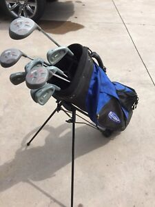 Golf clubs and Bud Light Golf Bag - Right Handed Set