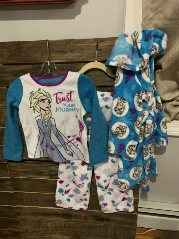Disney's Frozen II Girls Pajama Set W/Robe Sz 6